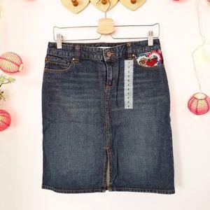 TOMMY HILFIGER w/ Embroidery Denim skirt